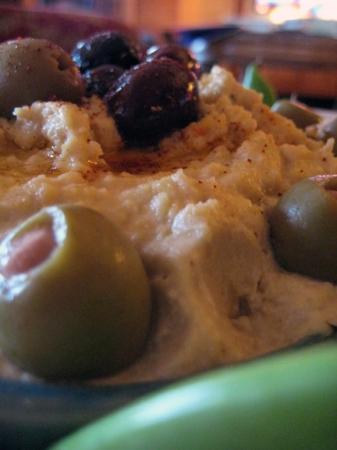 Hummus w/ Lemon, Tahini, and Garlic